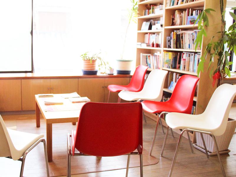 フランス語会話学校エコールサンパ阿佐ヶ谷教室  陽当たりの良いサロン